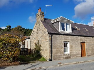 Elm Cottage - Highland Holiday Homes