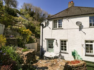 1 Woodside Cottages, Milton Combe
