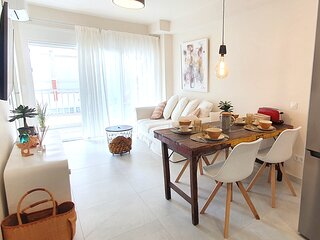 Apolo 702. Modern Two Bedroom Apartment for Holiday Rental