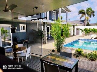 Beautiful studio with pool, very close to Eagle Beach