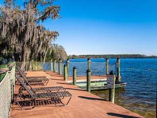 Lakeside Resort Condo Just 2 Miles From Disney w/ WiFi, Fireplace & More