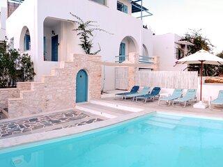 Villa Danae • Seaside 2-storey villa with pool, jacuzzi, bbq & terrace