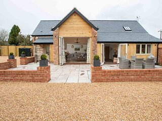 LUXURY 3 bed/bath ensuite self catering accommodation in Dorset.