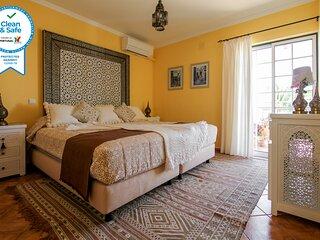 Riad Serpa 4 quartos em suite, AC, WIFI, piscina aquecida com cobertura termica
