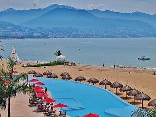 Luxury Oceanfront Condo - VISTA VALLARTA