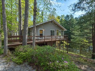 Serendipity Cottage at Lakemont | Pet-friendly,Carolina Room & Lakeside Views
