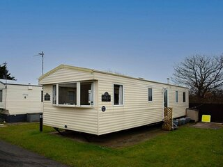 8 berth caravan to hire at Lyons Robin Hood in Rhyl ref 61044TP