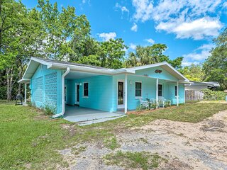 NEW! Bright Crystal River Home: Walk to Boat Ramp!