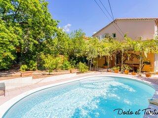 Handsome 5 bedroom house with pool - Dodo et Tartine