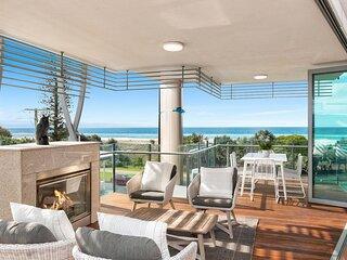 Kirra Wave 301 - Luxury Beachfront - All Linen Provided