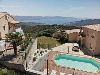 Gites-Sassone, villa avec Piscine pour 4 personnes et vue mer panoramique.