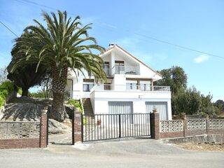 Impresionante Casa a 5 min de la Playa con Vistas