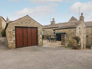 ROCKVILLE, Victorian terraced cottage, open fire, patio, garage parking, shop