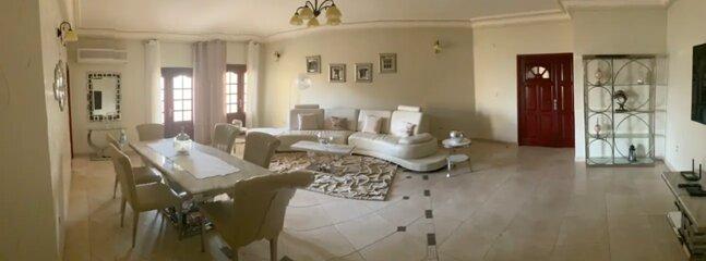 APPARTEMENT- Résidence avec piscine, location de vacances à Libreville