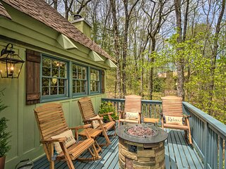 NEW! SkyValley Resort Cottage: Game Room, Hot Tub!