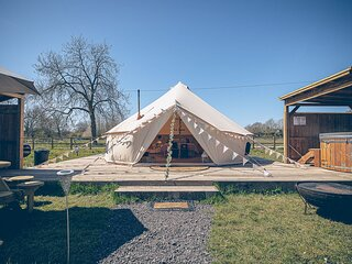 Glamp and Tipple - South Norfolk Glamping (Moet)