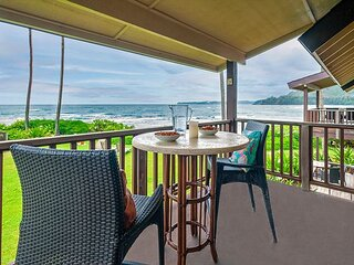 Hanalei Colony Resort J3 - 10 steps to the sand, oceanfront views all around!