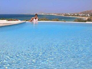 Villa 'Meadow' Infinity Pool - Villa Paradise Hotel Naxos