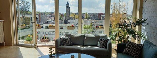 Penthouse 200m2 vue sur Bxl et bois de la Cambre, holiday rental in Mont-Saint-Jean