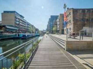 Unique Canal View Apartment