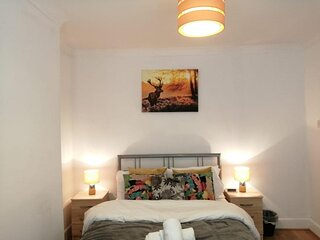 Central Stratford Cozy Double Room