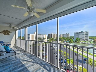 NEW! Bright Naples Condo w/ Pool - Walk to Beach!
