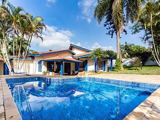 Chacara com piscina, churrasqueira e WiFi em Cotia