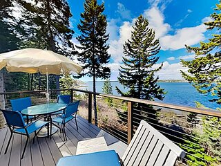 Waterfront Delight | Guesthouse | Amazing Sunset Views & Private River Access