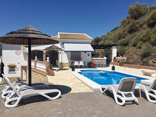 Villa Casira met zwembad, Vinuela (Costa Del Sol)