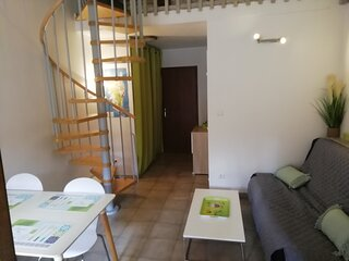 studio mezzanine, Calvi/corse avec ménage/linge maison inclus