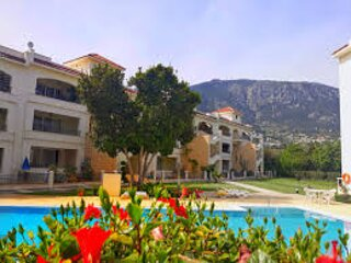Kyrenia holiday apartment rental with shared pool, internet access, terr., holiday rental in Lapta