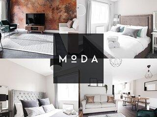 ★ PERFECT House ★ Driveway Parking & Garden ★ Open Plan Living ★ 3 Bedroom
