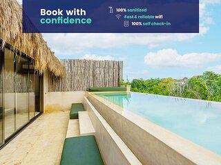 Stunning PH in Sky Jungle w/Private pool & terrace