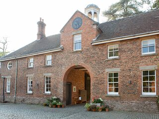 3, The Stables, Henley Hall