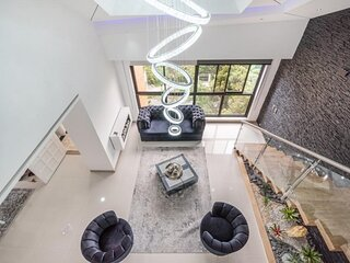 The LYNX 6 bedroom Poblado Immaculate Penthouse
