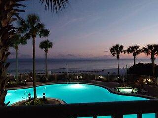 Commanding views of the Emerald Coast! 2bd/2 bath Luxury Beach Front Unit!