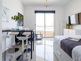 Top Quality Studio Apartment in Lakeside IMPZ