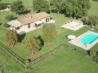 LA GHIGA FARMHOUSE - 3 cottages