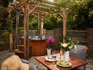 Swifts Return – Teign Valley hideaway with hot tub and pool