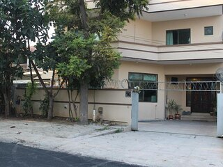 Deluxe Double Room in Center Islamabad