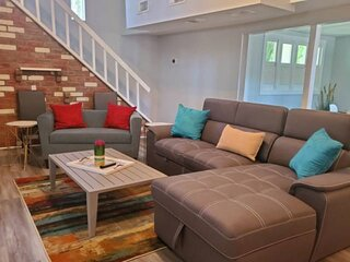 Newly Listed Pet Friendly -Close to to Kemah Boardwalk & Beach -Near NASA Space