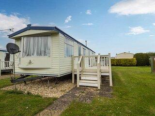 Fantastic caravan for hire at Butlins Caravan Village in Skegness ref 66243S