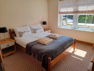 Howgills Apartments - Apartment 7 (sleeping up to 6 guests in total)