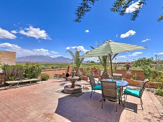 NEW! Gorgeous Green Valley Townhome w/ Mtn Views!