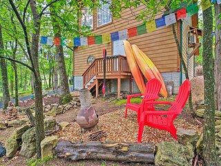 NEW! Bright Lakeside Studio - Hike, Fish & Bike!