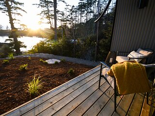 Waterfront View Suite at Salt + Cedar Bed and Breakfast