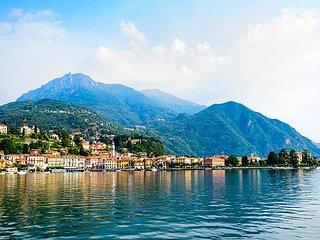 Spectacular lakefront villa on Lake Como