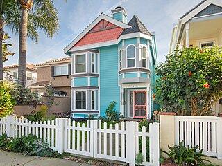 Huntington Beach Studio Blocks to the Beach and Downtown