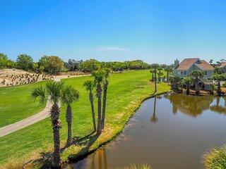 Fantastic lagoon and golf views..