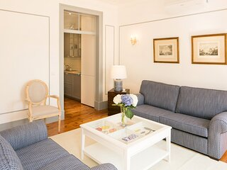 Classic and Trendy Apartment 20+21 by Lisbonne Collection